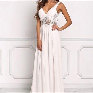 Dresses & Skirts - NWT-Blush Lace Maxi Dress